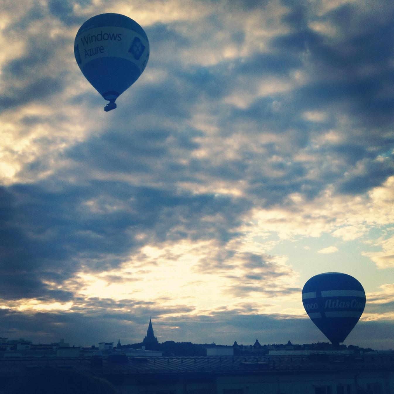 Luftballonger över Stockholm, Instagram