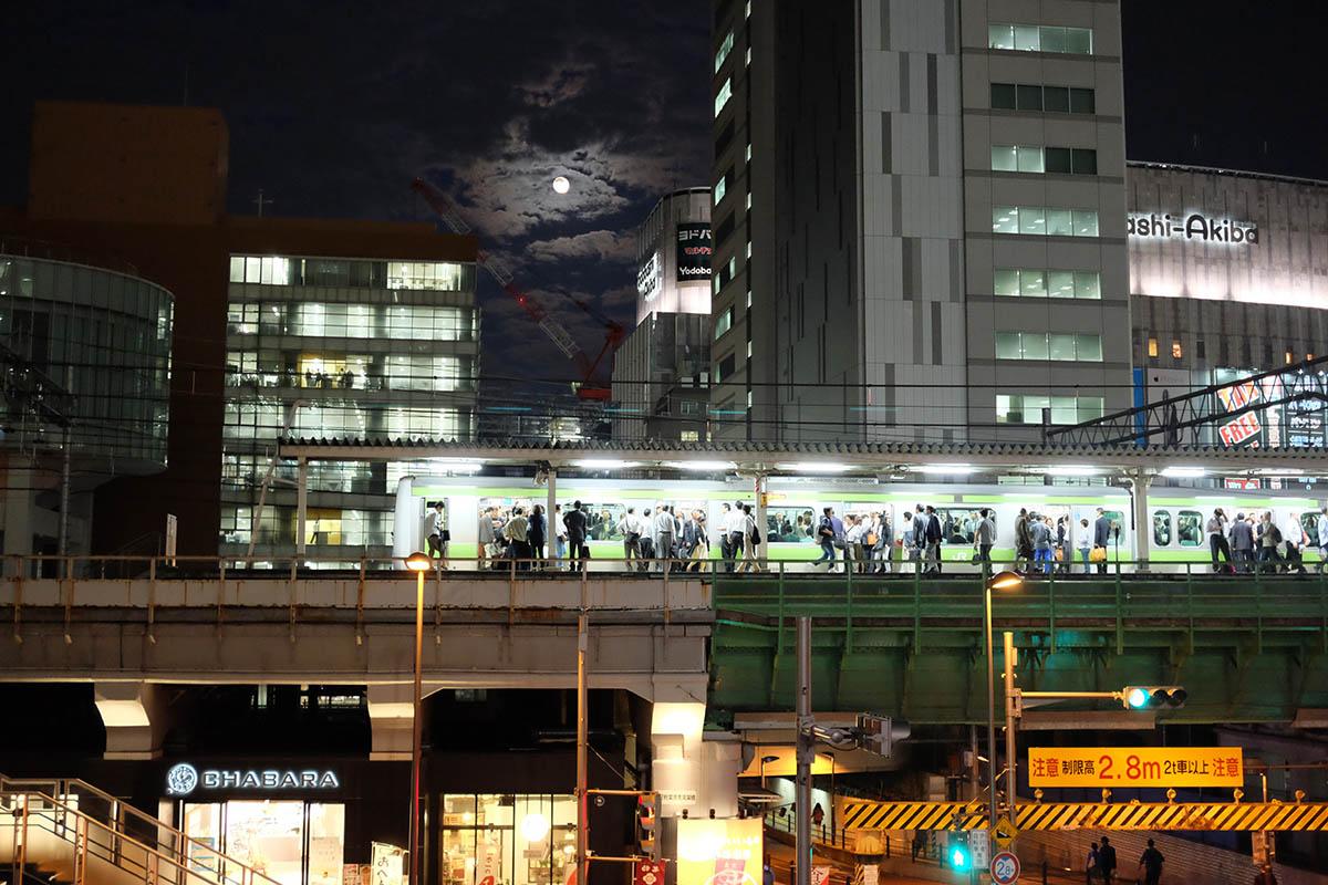 rush_hour_akihabara